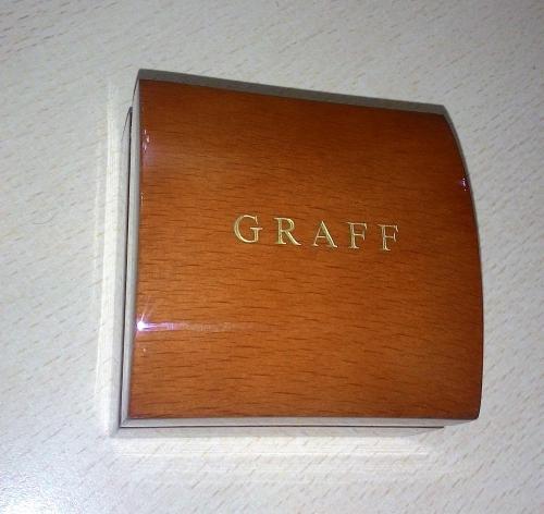Гравировка логотипа с затиркой золотом