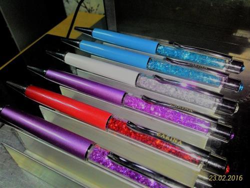 гравировка логотипа на ручках